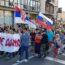 Srbsko: Tisícový protest proti povinnému očkování a za práva rodičů