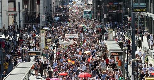 Berlínské protesty proti vládním opatřením